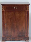 Biedermeier szekrényke [L16]