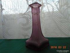 Antik lila fazettált négyszögletes opál üveg váza