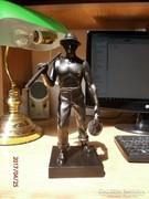 S 17-16 szobor Kaszás legény szobor arató vagy summás legény