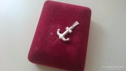 Ezüst kis vasmacska, horgony medál 925