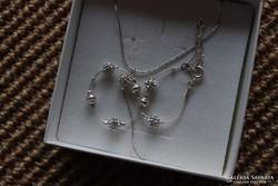 Ezüst nyaklánc és karkötő ezüst gömbökkel