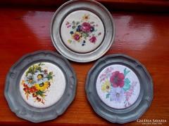 3 db.porcelán betétes ón tányér.