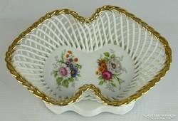 0L689 Jelzett porcelán kínáló kosár