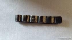 Ezüst nyakkendőtű