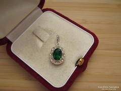 Zöld köves ezüst medál