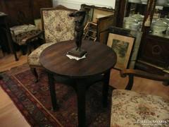 Szép Art Deco kerek asztalka eladó jó állapotban