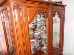 Olasz vitrines szekrény