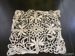 POINT LACE terítő-virágmintával és rozettával -27x 27 cm-(6)