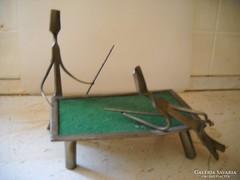 Fém billiárd asztal figurákkal eladó!