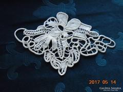 POINT LACE  terítő- virágmintával-22 x 14 cm-(21)