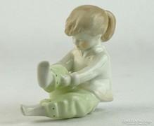 0L809 Jelzett Aquincumi porcelán kislány figura