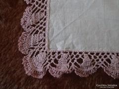 1317. Díszzsebkendő - rózsaszín csipkés