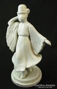 Táncolo matyo fiu - fehér herendi porcelán