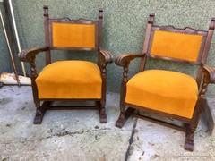 Kisméretű nagyon kényelmes koloniál fotelek