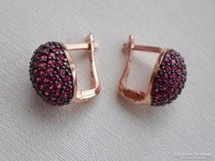 Különleges valódi apró rubinköves ezüst fülbevaló