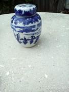Porcelán fedeles kis váza, japán