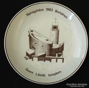 Nyiregyháza- Szent L. templom emlék holloházi porcelán