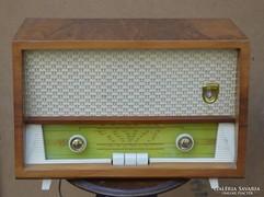 Retro rádió.