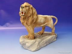 0M650 Hibátlan biszkvit porcelán oroszlán figura