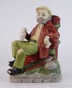 0M653 Hibátlan biszkvit porcelán borozgató figura