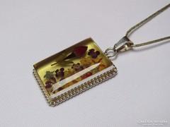 Meseszép régi ezüst medál virágkompozícióval ezüst láncon