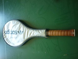 Adidas teniszütő tokjában(Ivan Lendl szignóval)retró darab