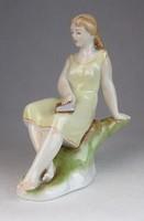 0M812 Régi Zsolnay porcelán olvasó nő figura