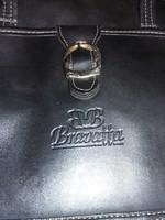 Eladó Bravatta női táska.