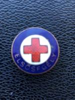 Vöröskeresztes  jelvény
