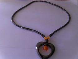 Hematit  mágneses nyaklánc  narancssárga  macskaszemmel