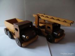 Nagy méretű fából készült játék autók 2 db