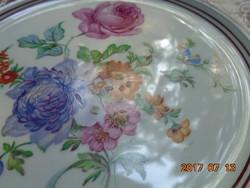 Látványos, egyedi virágmintákkal-kézzel festett tányér-ezüst-bordó szegélymintával-18,5 cm
