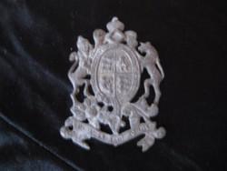 Antik Ólom  címeres kitűző