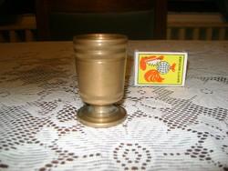 Régi, tömör réz, metszett kupica, kocsmai kimérő pohár