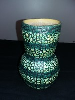 Nagyon szép zöld buborékos váza.