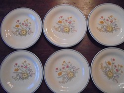 6 darab virágmintás tányér