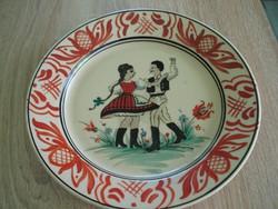 Régi festett tányér táncos párral