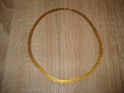 Arany színű lapos nyaklánc