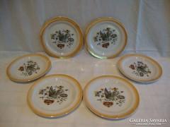 6 db pajzspecsétes Zsolnay sárga peremű lepkés tányér