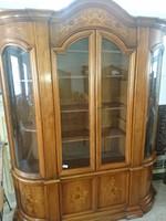 Intarziás barokk vitrines szekrény eladó.