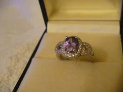 Lila köves szép gyűrű