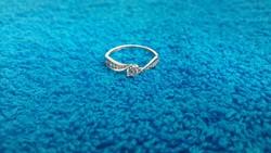 14K 585-ös gyönyörű cirkonkőves női fehérarany gyűrű!Garanciával!