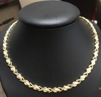 14 K női arany nyakék, matt-sima szemekből