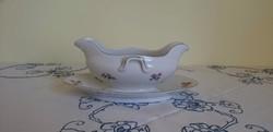 Zsolnay porcelán kínáló virágos mintákkal