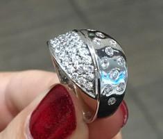 Vadonat új, köves fehérarany női gyűrű