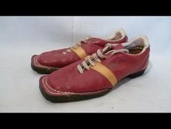 U966 Régi felcsatolható bőr félcipő sícipő 25,5