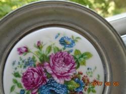 Kézzel festett-Rózsás porcelánbetétes ón kistányér-Holsteiner Reine Zinn-10 cm