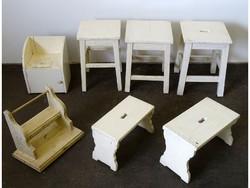 0I222 Régi hét darabos fehér fenyőbútor szett