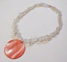 Hegyi kristály nyaklánc kagyló medállal