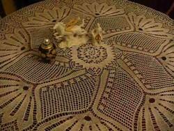 Kötött legyezőszerű kör alakú terítő